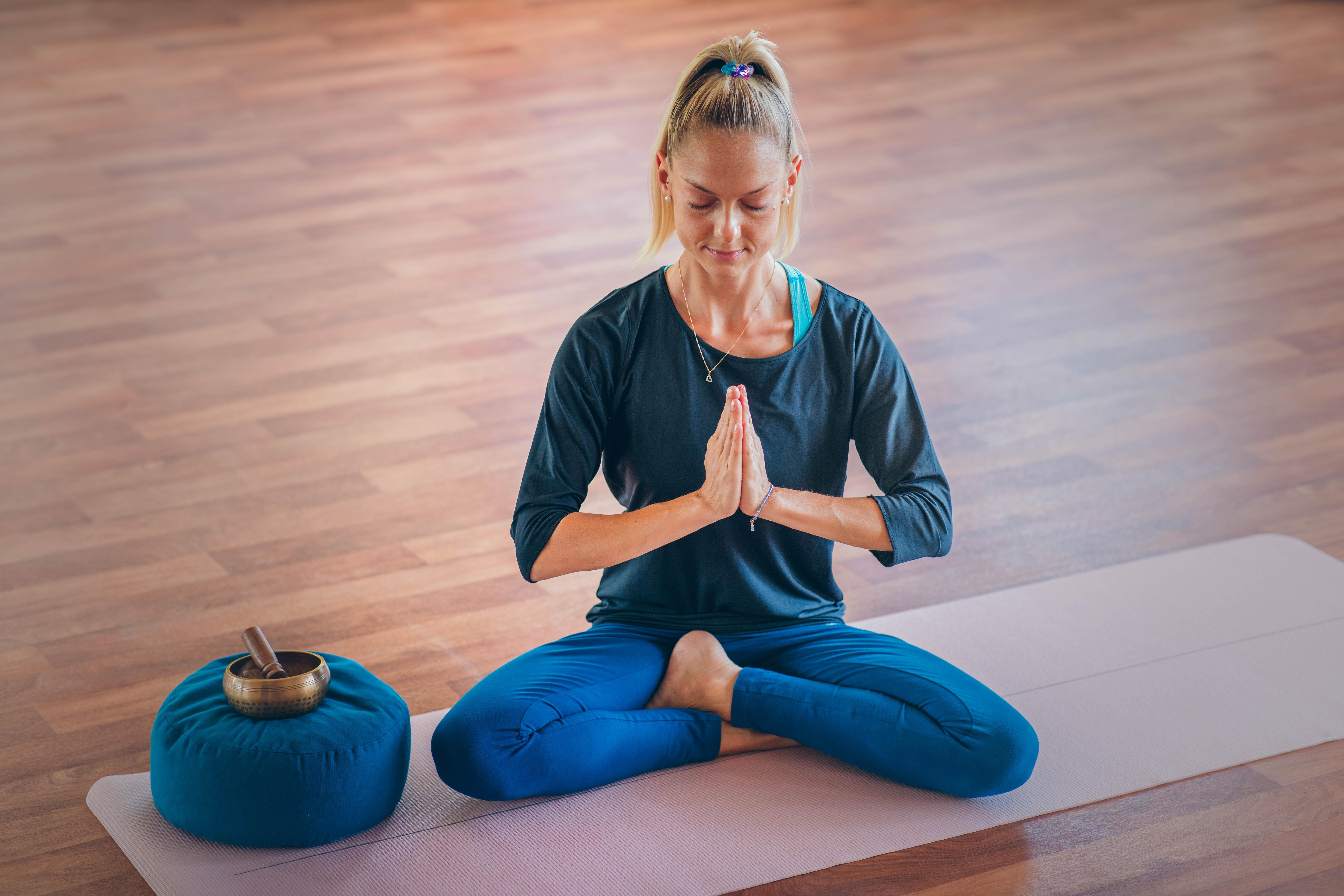 Freitags 18.10 Uhr Yoga mit Julia